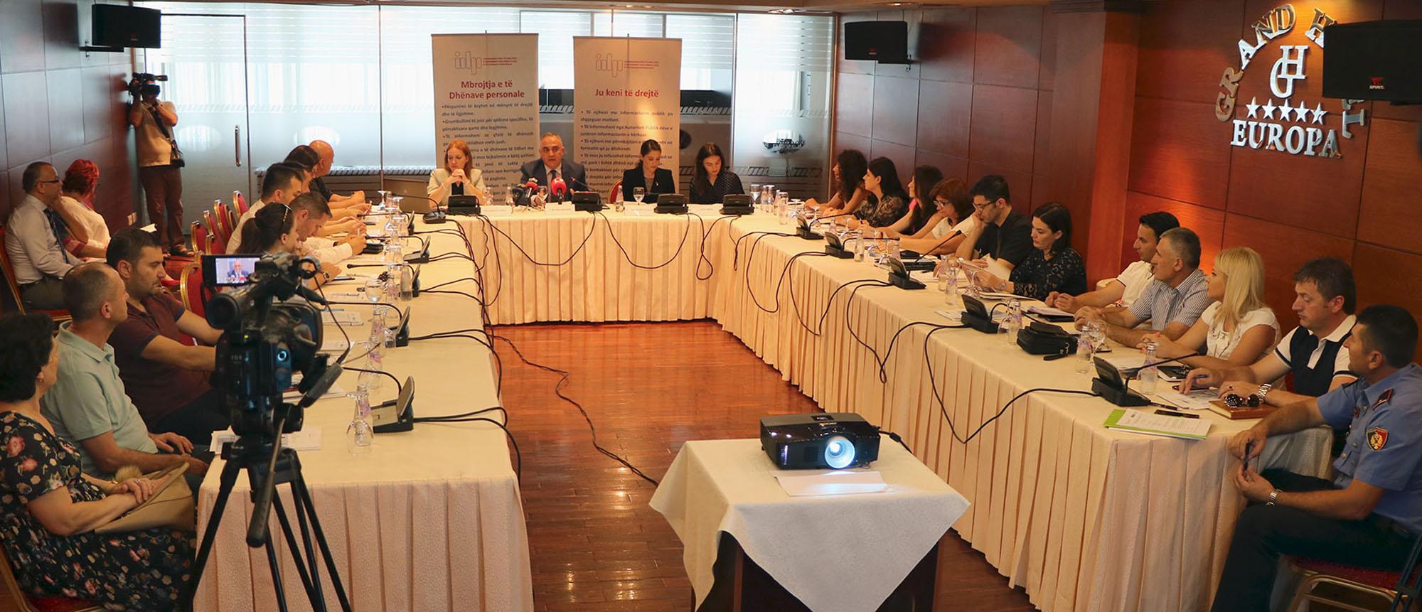 Balanca mes të drejtës për informim dhe mbrojtjes së të dhënave personale, takimi rajonal në Shkodër