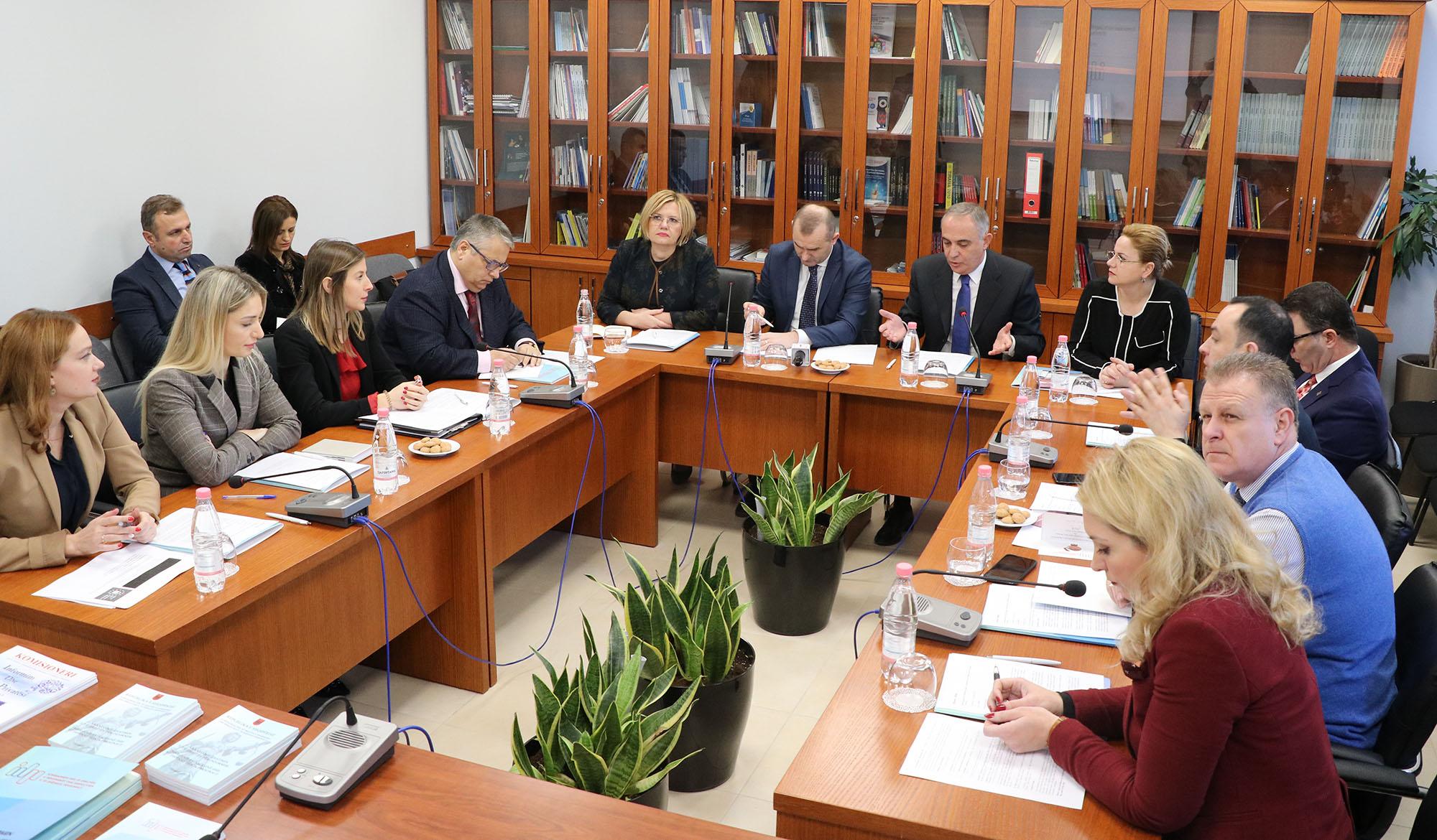 Rencontre d'information /de monitoring avec des Membres de l'Assemblée Albanaise au Bureau du Commissaire